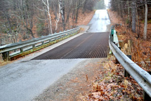 The Northy Bridge in December 2015, days before it was permanently closed to vehicular and pedestrian traffic. (Abigail Adams photo, LCN file)