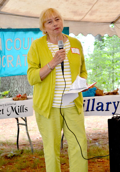 Maine Attorney General Janet Mills urges Democrats to win a veto-proof majority in the Legislature at the Lincoln County Democratic Committee's annual lobster bake Saturday, Aug. 13. (Abigail Adams photo)