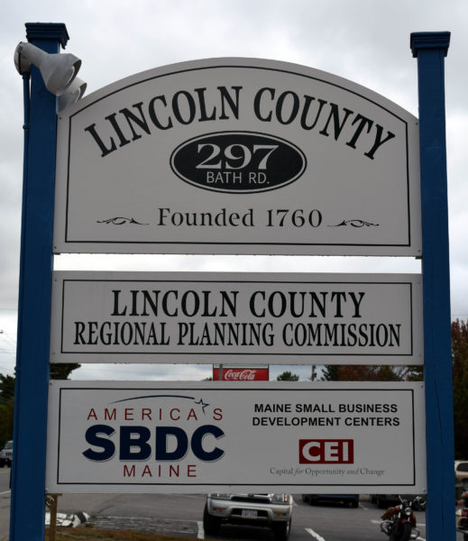 A candidates forum will take place at the Lincoln County Regional Planning Commission on Route 1 in Wiscasset at 6 p.m., Thursday, Oct. 6. The Lincoln County News will host the forum, which will feature candidates for Senate District 23 and House Districts 53, 80, 87, and 89.