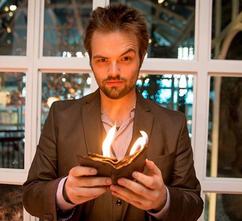 Maine native Kent Axell's talents as a mind reader, magician, and illusionist dazzle audiences worldwide. He returns for a special engagement at 7 p.m., Saturday, Oct. 8 at the Lincoln Theater in downtown Damariscotta.