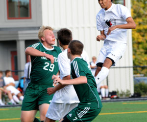 """<span class=""""entry-title-primary"""">Lincoln boys soccer hold off Mustangs</span> <span class=""""entry-subtitle"""">Lincoln 1 - Mt.View 0</span>"""