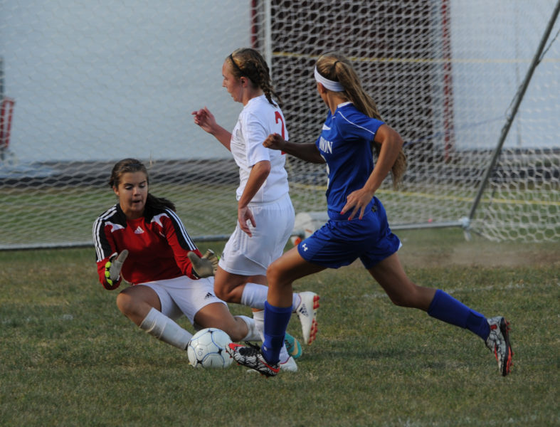 Lindsey Gordon makes the save in net for Wiscasset. (Paula Roberts photo)