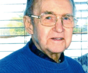 """<span class=""""entry-title-primary"""">Lindsay (Larry) Putnam</span> <span class=""""entry-subtitle"""">Nov. 17, 1926 - Oct. 13, 2016</span>"""