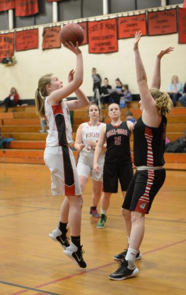 Hayhlee Craig shoots over a Hall-Dale defender. (Paula Roberts photo)