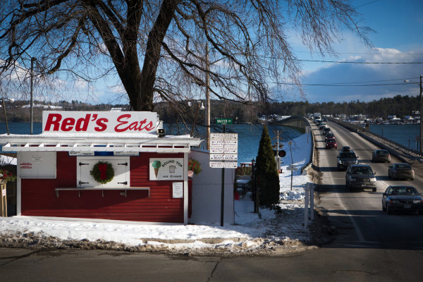 Traffic passes by Red's Eats in Wiscasset. (Troy R. Bennett photo/Bangor Daily News)
