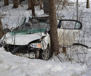 Firefighters Extricate Teen After Wreck in Waldoboro