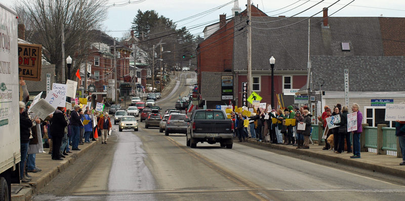 A recent rally on the bridge for health care rights. (Photo courtesy Eleanor Cade Busby)