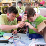 LA Students Partner With Gizmo Garden for Engineering Program