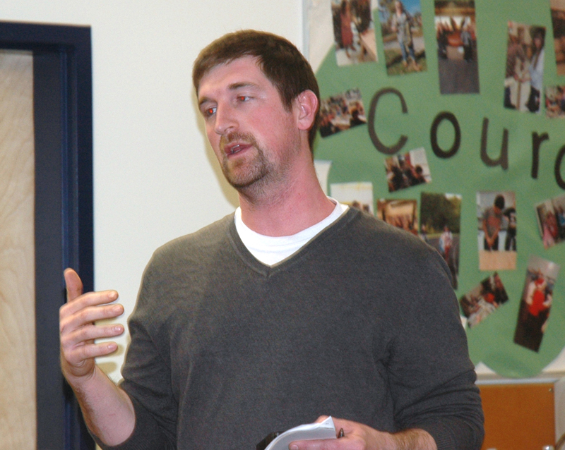 Ryan McNelly, of Waldoboro, suggests that RSU 40 would need more data before making a decision to alter current school start times. The RSU 40 Board of Directors unanimously voted to keep start times the same during a special meeting at Medomak Middle School on Thursday, March 30. (Alexander Violo photo)