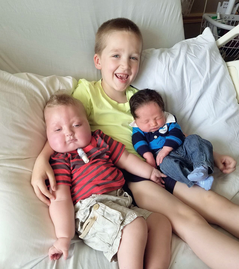 Owen Christopher Wilson (right) with his siblings.