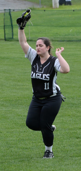 Abby Nelson makes the running catch in right field. (Paula Roberts photo)