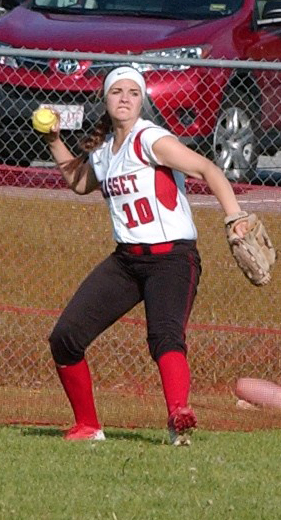 Wiscasset out fielder Lindsey Gordon makes the throw to the infield. (Carrie Reynolds photo)