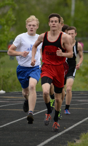 Brandon Goud out kicked Mt.ABram's Xavier Romanoski in the final 100 yards to win the MVC championship in the mile. Goud also won the 3200 MVC title. (Paula Roberts photo)