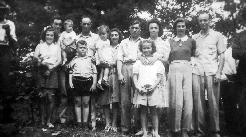 The Dodge family on July 4, 1944. (Photo courtesy Marjorie and Calvin Dodge)