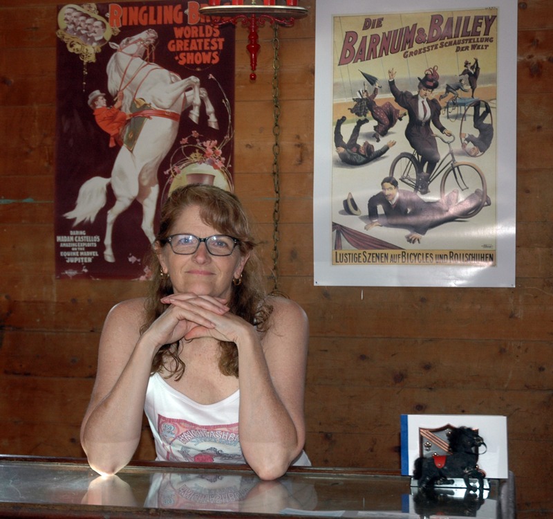 Natalie Masse's new shop, Pinky Larue, sells vintage jukeboxes, radios, furniture, posters, and other items. (Alexander Violo photo)