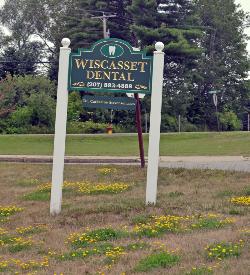 The Wiscasset Dental sign on Monday, July 24. The practice abruptly stopped seeing patients due to the illness of dentist and founder Dr. Catherine Bunin-Stevenson. (Abigail Adams photo)