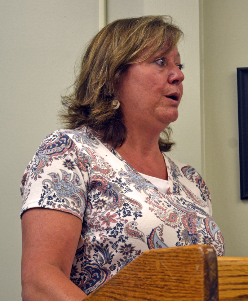 Wiscasset Area Chamber of Commerce President Monique McRae speaks in support of an open town meeting to reconsider the planning department budget. (Abigail Adams photo)