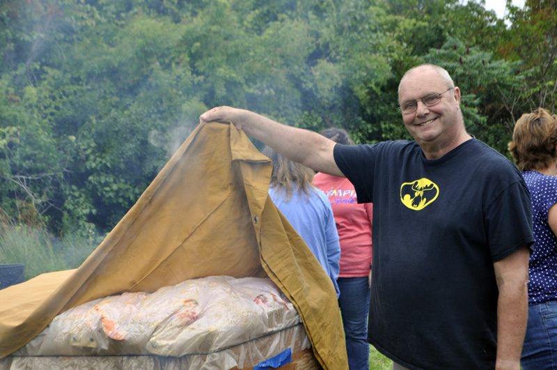 Bruce Bachelder is the king of the lobster bake! (Photo courtesy Kim Traina)