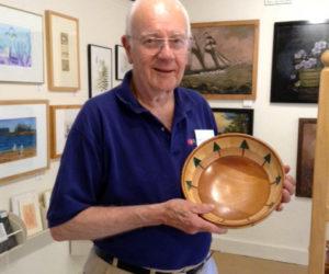Tom Raymond Bowls at Saltwater