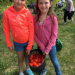 GSB Students Process Garden Harvest at FARMS