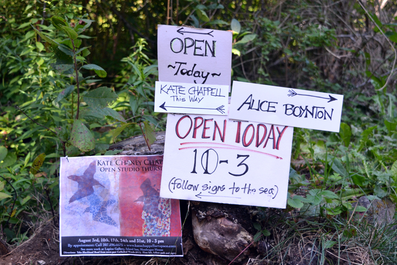Signs point the way to the open studios of Monhegan artists Alice Boynton and Kate Cheney Chappell on Thursday, Aug. 31. (Christine LaPado-Breglia photo)