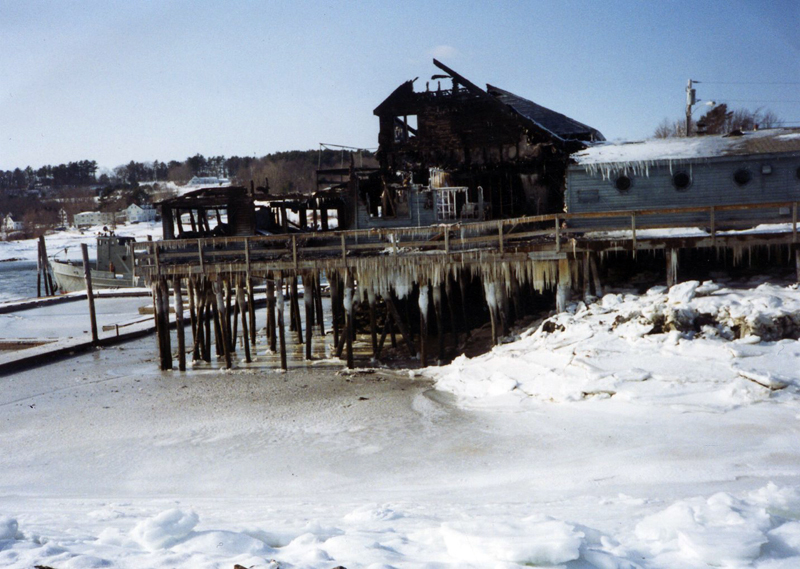 The restaurant at the pier in Damariscotta burned in 1993. (Photo courtesy Calvin and Marjorie Dodge)