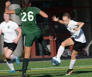 """<span class=""""entry-title-primary"""">Lady Eagle soccer silence Hornets</span> <span class=""""entry-subtitle"""">Lincoln 5 - Leavitt 2</span>"""