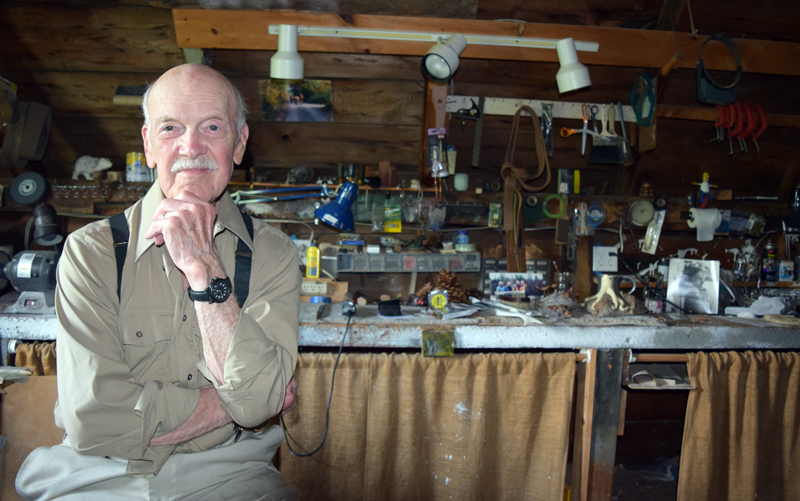 Ralph Moxcey in his Bremen studio. (J.W. Oliver photo)