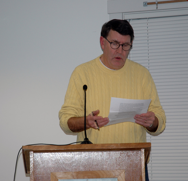 Waldoboro Marijuana Committee Vice Chair Andrew Zulieve reads the committee's recommendation to adopt a prohibition on retail marijuana to the Waldoboro Board of Selectmen on Tuesday, Nov. 28. (Alexander Violo photo)