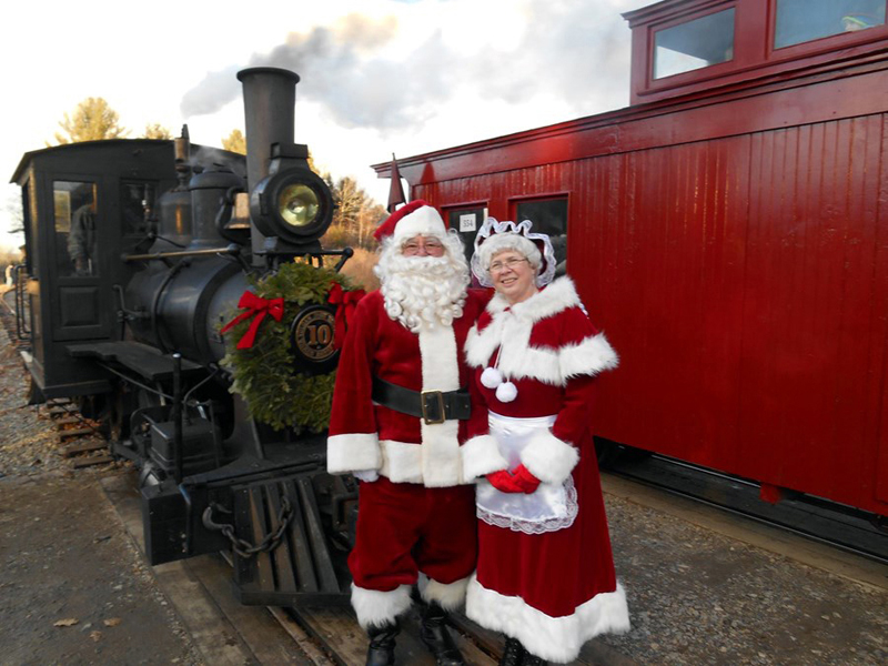 This special couple greets the train at the Wiscasset, Waterville and Farmington Railway Museum in Alna.