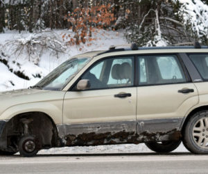 Runaway Wheel Damages Two Vehicles on Route 1 in Nobleboro