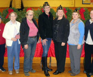 Medomak Valley High School Welcomes Wreaths Across America