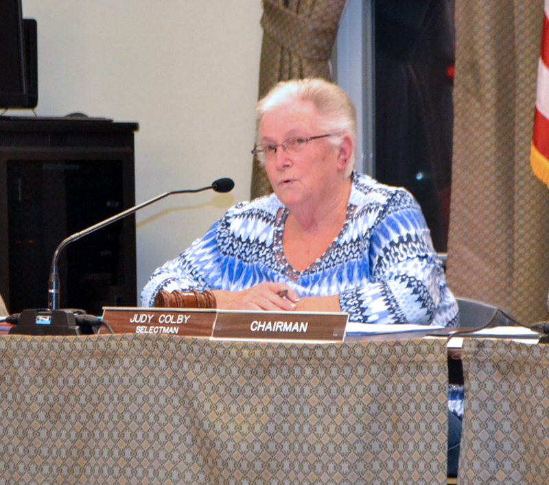 Wiscasset Board of Selectmen Chair Judy Colby calls for a referendum vote on whether the town should continue its lawsuit against the Maine Department of Transportation. (Charlotte Boynton photo)