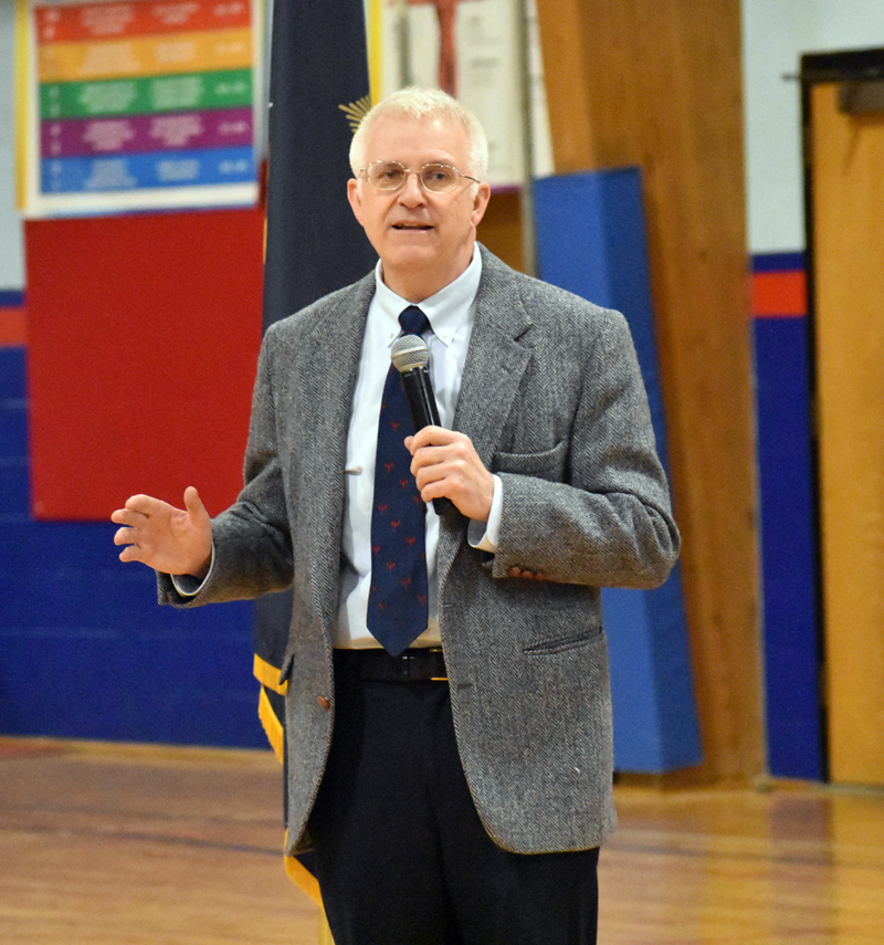 State Rep. Mick Devin, D-Newcastle, talks about his re-election campaign during the Democratic caucus for Bremen, Damariscotta, Newcastle, and Nobleboro. (Alexander Violo photo)