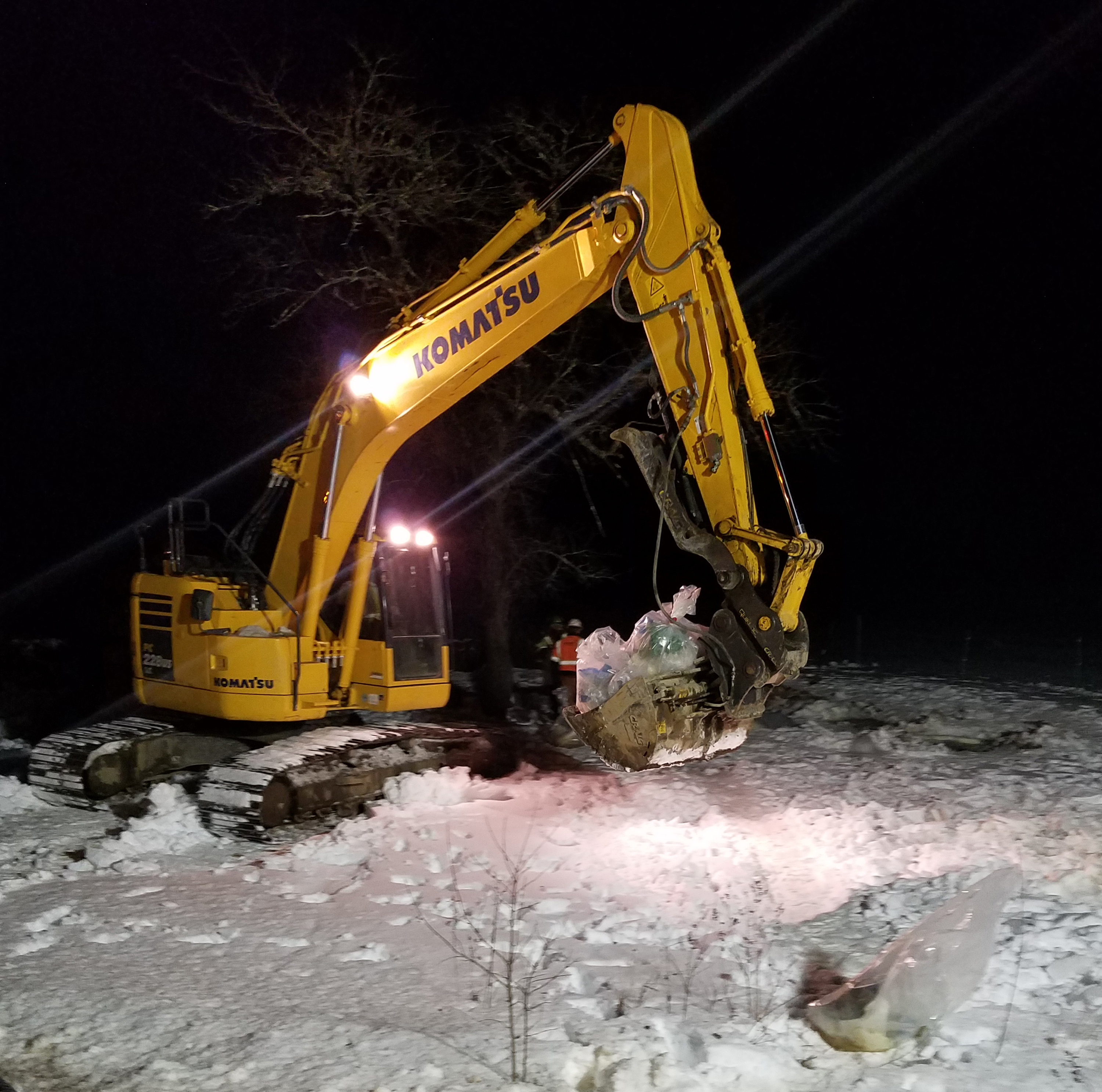 An excavator assists in cleanup operations at the site of a diesel spill on South Clary Road in Jefferson. The Maine Department of Environmental Protection is directing an extensive cleanup and remediation effort, according to Jefferson Fire Chief Walter Morris. (Photo courtesy Walter Morris)