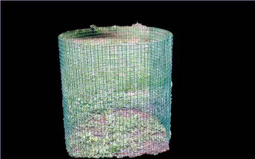 Trap wire compost bins hold large amounts of yard waste and allow for good air circulation. (Image courtesy Knox-Lincoln Soil & Water Conservation District)