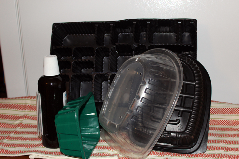 Examples of unrecyclable items (trash).