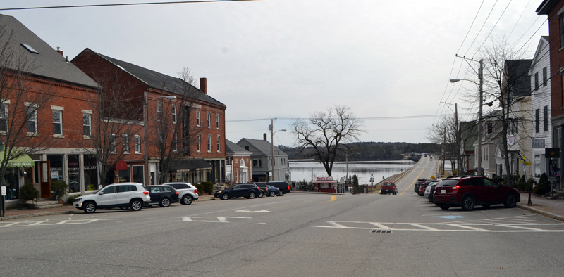 Parking on Main Street in Wiscasset is at the center of an upcoming referendum on whether the town should continue its lawsuit against the Maine Department of Transportation. (Charlotte Boynton photo)