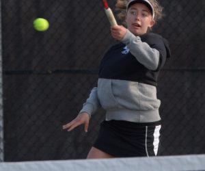 "<span class=""entry-title-primary"">LA girls tennis improve to 4-0</span> <span class=""entry-subtitle"">Lincoln 5 - Gardiner 0</span>"