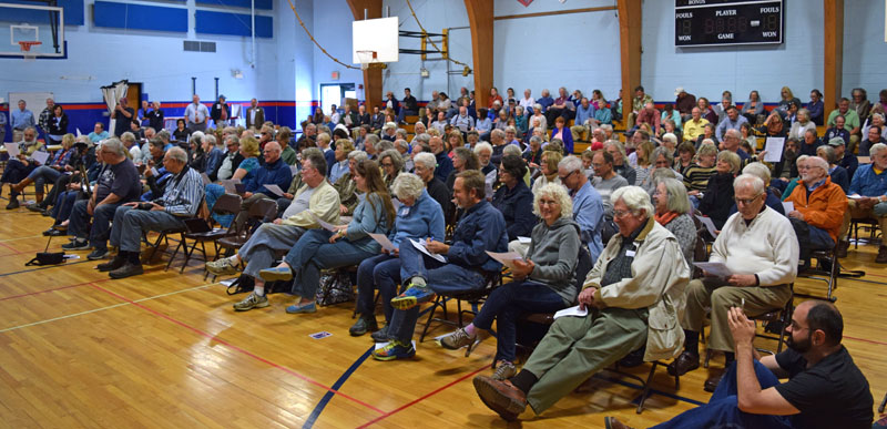 The audience for a gubernatorial candidates forum fills most of the gym at Great Salt Bay Community in Damariscotta on Saturday, May 12. (J.W. Oliver photo)
