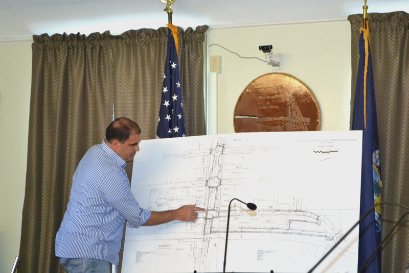 Maine Department of Transportation Project Manager Ernie Martin shows the public advisory committee and the public the DOT's plan for traffic signals on Main Street in Wiscasset. (Charlotte Boynton photo)
