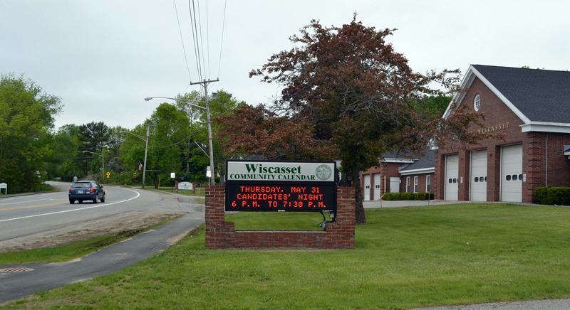 The sign outside the Wiscasset municipal building advertises an upcoming candidates forum. The Lincoln County News will host the forum, which will feature five candidates for three seats on the Wiscasset Board of Selectmen.