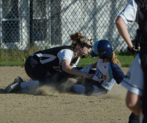 """<span class=""""entry-title-primary"""">Oceanside grounds Lady Eagles</span> <span class=""""entry-subtitle"""">Oceanside 8 - Lincoln 5</span>"""