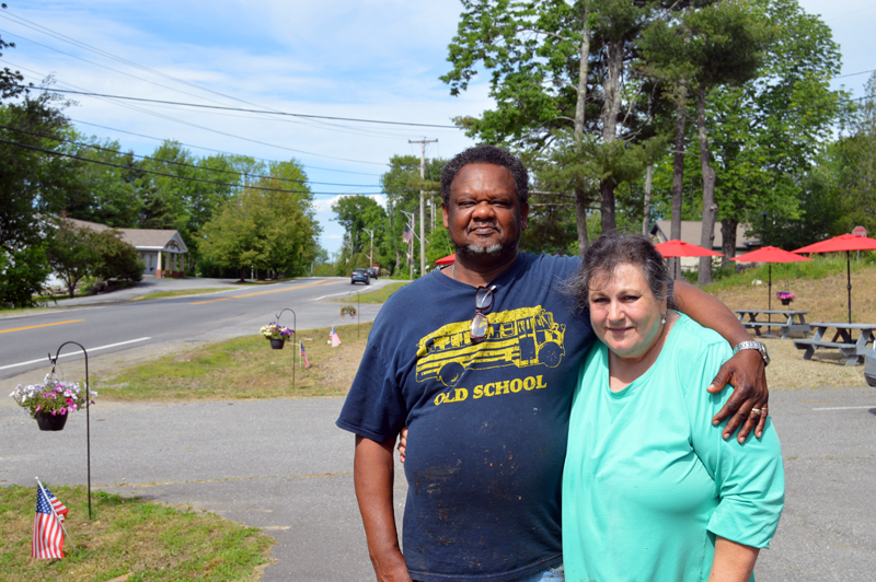 Elijah and Carol Curtis own Mr. Ribs, a new barbecue stand in Damariscotta. (Johanna Neeson photo)
