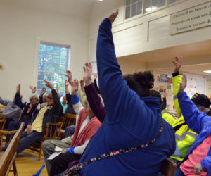 Edgecomb Voters Agree to Buy Fire Truck