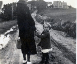 Old Bristol Historical Society to Show Old Photos