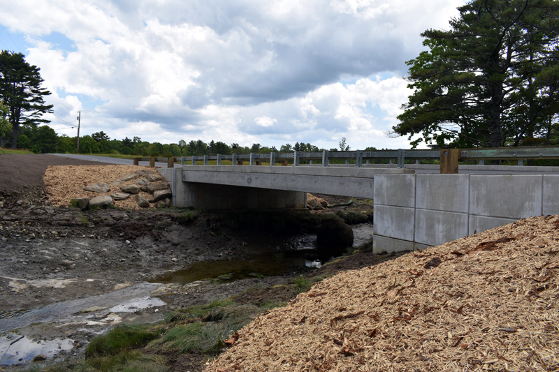 The new Heath Road bridge over Smelts Brook in Bremen. (Alexander Violo photo)