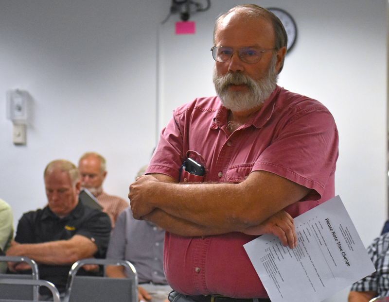 Carleton Johnson, of Waldoboro, expresses concern about the cost of a ladder truck during a Waldoboro Board of Selectmen's meeting Tuesday, Aug. 28. (Alexander Violo photo)
