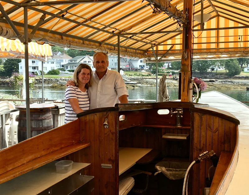 Chowder House owners Sally and Bob Maroon at the restaurant's outdoor Boat Bar. (Suzi Thayer photo)