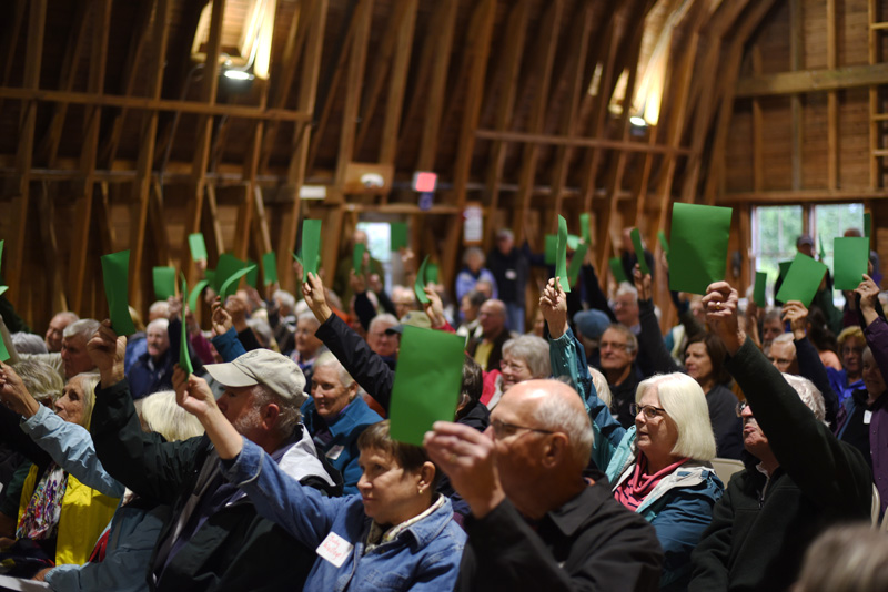 Members of the Pemaquid Watershed Association vote to unite with the Damariscotta River Association at Darrows Barn in Damariscotta, Tuesday, Sept. 25. (Jessica Picard photo)